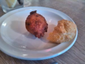 Okay Germans, what are these? Anyone...anyone? Why they are hush puppies and cornmeal muffins, staples of southern American restaurants. Lick those fingers!
